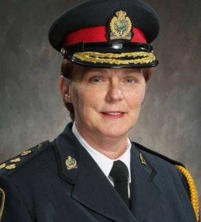 وندی سوتال از ژانویه 2005 فرماندهی پلیس نیاگارا فالز را بر عهده دارد