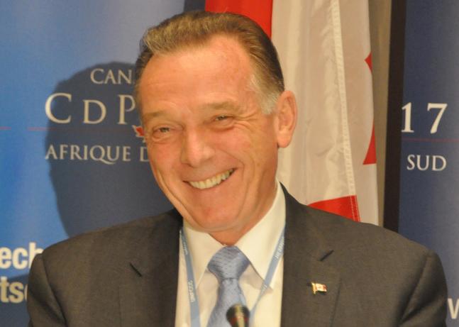 پیتر کنت وزیر محیط زیست کانادا