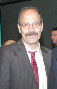 دکتر عباس آزادیان روانپزشک
