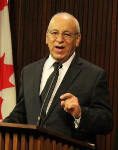 پیتر شرمن نماینده تورن هیل در پارلمان انتاریو به سلام تورنتو گفت پارلمان به زودی وارد تعطیلات زمستانی خواهد شد و اگر از دولت درخواست کمک نشود، اعتصاب ممکن است تا سال آینده ادامه پیدا کند.  عکس از سلام تورنتو