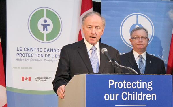 راب نیکولسن وزیر دادگستری و دادستان کانادا