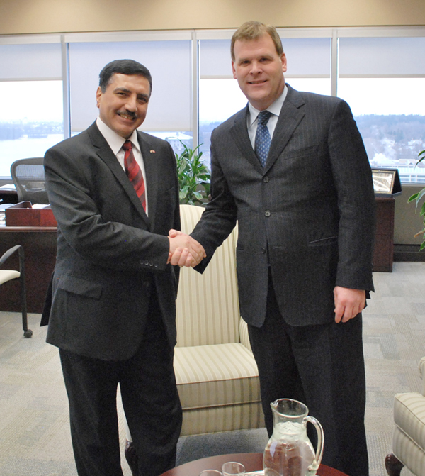 Minister Baird meeting with Abdulrahman Hamid Mohammed Al-Husaini, Iraq's Ambassador to Canada, on December 21, 2011