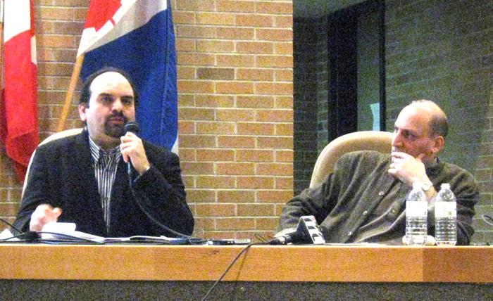 به ترتیب از راست به چپ: دکتر رامین جهانبگلو (دانشگاه تورنتو) و دکتر سروش دبّاغ