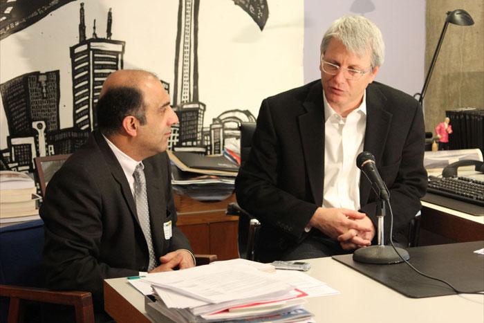 آدام وان (سمت راست): کاهش دستمزدها، شهرداری را ثروتمند نمی کند، بلکه شهرداری را فقیر میکند. راب فورد نمی خواهد اتحادیه وجود داشته باشد