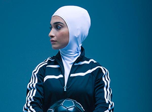 این طرح توسط الهام سیدجواد، طراح ایرانی - کانادایی ساکن مونترال طراحی شده است