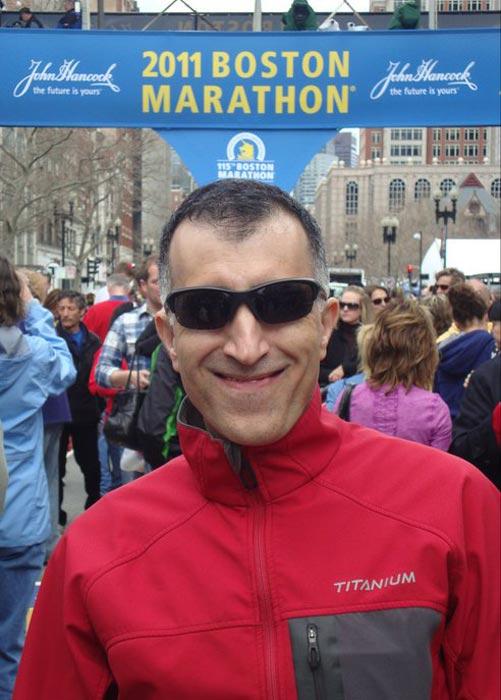 مهندس حسن افشار علاوه بر تورنتو، چندین بار در ماراتونهای شیکاگو، نیویورک و بوستون دویده است