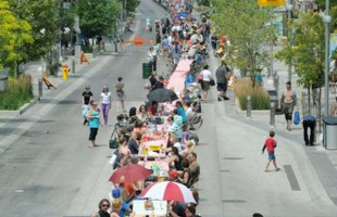 بزرگترین پیک نیک جهان در شهر کیچنر، انتاریو برگزار شد.