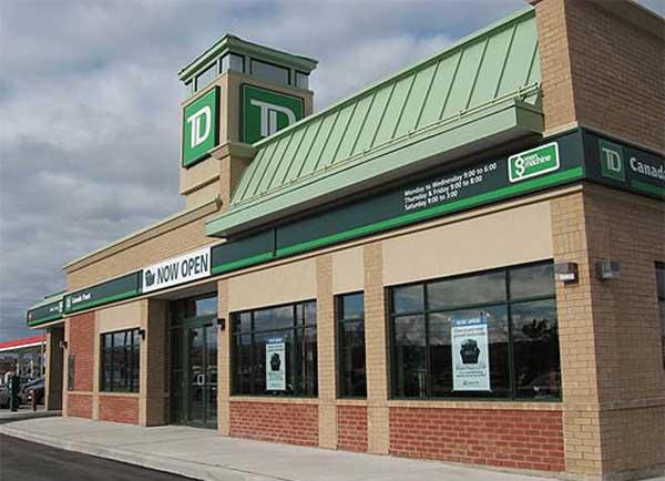به گفته باربارا تیمینس سخنگوی بانک تیدی، شاید بعضی از ایرانی-کاناداییهایی که حسابهایشان از سوی بانک تیدی بسته شده، این فرصت را به دست آورند که دوباره روابط بانکیشان را با این بانک از سر بگیرند.