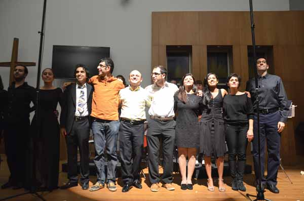 اعضای گروه آهنگسازان ایرانی تورنتو در زمان اجرای کنسرت شعر نو، نوای نو