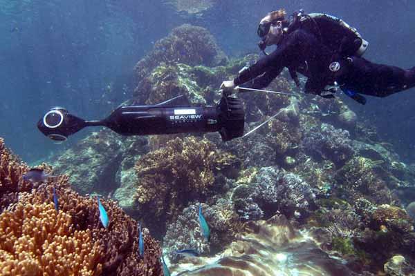وب سایت گوگل با استفاده از دوربین پیشرفته SVII نخستین دیدگاه پانورامیک زیر آبی را به برنامه Google Maps اضافه کرد.