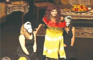 نمایشنامه گلوریا یزدانی، روان اجرا شد و تقریباً بیخطا
