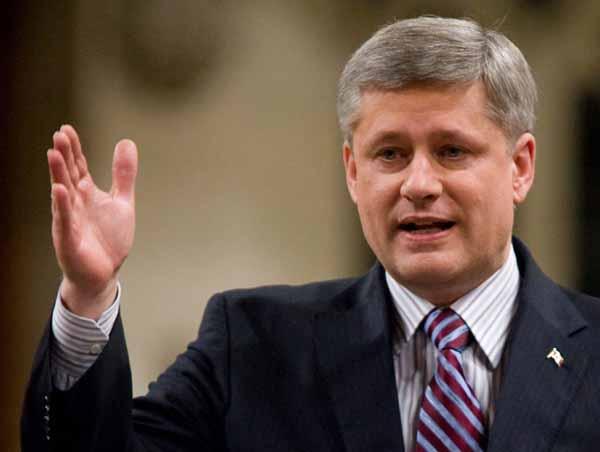 بنا به نظر سنجی انجام شده توسط Invironics، نخست وزیر کانادا از کمترین میزان اعتماد به رهبران سیاسی در میان 26 کشور قاره آمریکا برخودار میباشد