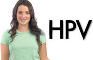 Annie Clark هنرپیشه سریال Degrassi با شهرداری یورک ریجن جهت تشویق بیشتر دختران نوجوان برای دریافت واکسن HPV همکاری میکند.