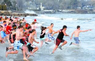 رویداد Courage Polar Bear Dip در سال ٢٠٠٨