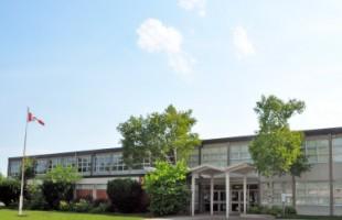 در روز دوشنبه ١١ ژانویه، ٢٤ دانش آموز دبستانی و ١ معلم به دلیل نشت گاز در دبستان  Allan A. Martin Senior در Mississauga به بیمارستان فرستاده شدند.