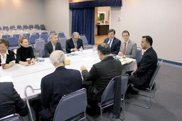 جلسه دیدارنمایندگان دولت کانادا با نمایندگان کامیونیتی ایرانی در ژانویه 2013  ـ این جلسه  در بنیاد پریا برگزار شد. میزگرد مشابهی قرار است روز جمعه 13 دسامبردر تورنتو برگزار شود