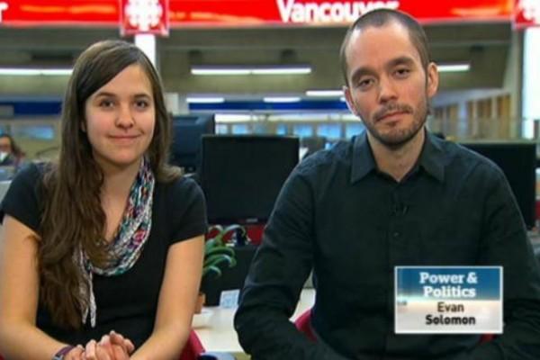 Sean Devlin  و شیرین صوفی در مصاحبه با تلویزیون CBC .  شیرین صوفی علاوه بر فعالیت در جهت حفاظت از محیط زیست در پشتیبانی از مهاجران و پناهنده ها تحت عنوان «هیچکـس غیرقانونی نیست»  فعالیت می کند