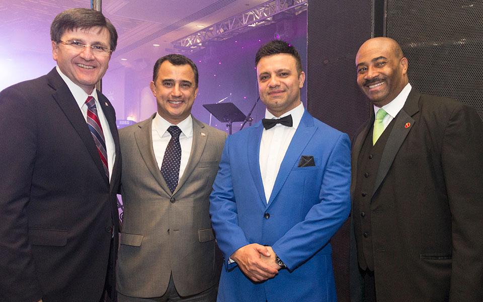 به ترتیب از راست به چپ: سناتور دان مردیت، مهران موسی خانی، مایکل پارسا، کاستاس منه گاکیس در جشن نوروزی انجمن فردوسی و بنیاد پریا  Photo By: Royal Dream
