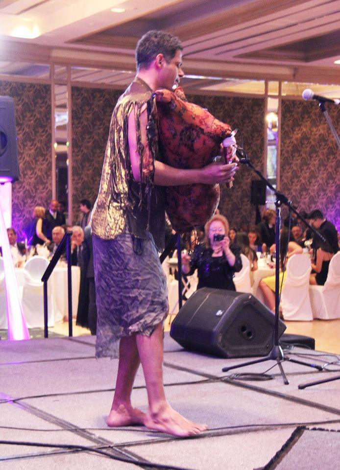 هنرنمایی سعید شنبه زاده  در جشن نوروزی انجمن فردوسی  و بنیاد پریا  Photo By: Royal Dream