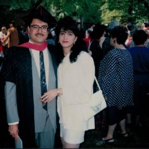 مجید جوهری در مراسم فارغ التحصیلی دوره MBA  با همسرش حمیرا