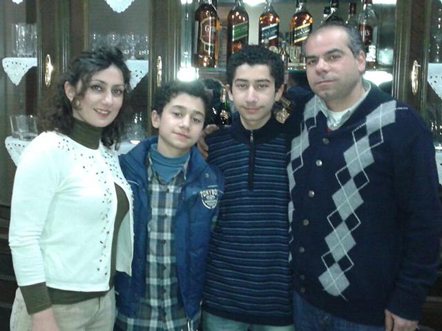 حلب سوریه ـ سال 2010 ـ خانواده 4 نفره شاهه