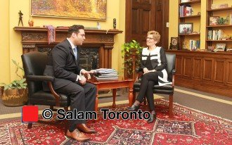سه شنبه 15 مارچ 2016 ـ دفتر نخست وزیر انتاریو ـ کاتلین وین به سئوالات دیوید موسوی از سلام تورنتو پاسخ می دهد ـ عکس از سلام تورنتو