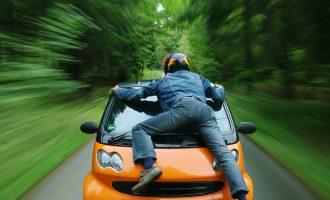 در انتاریو بیش از 12 میلیون اتومبیل ثبت شده وجود دارد.
