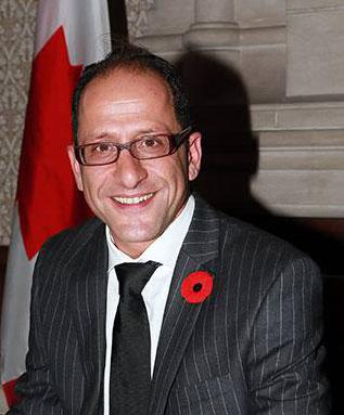 علی احساسی نماینده ویلودیل در پارلمان کانادا