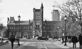 اهدای 8 بورس به 8 دانشجوی ممتاز ایرانی دردانشگاه تورنتو اتفاق افتاد