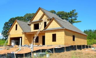 ساخت خانه های مستقل در ماه فوریه 12 درصد بیشتر از ژانویه بوده.