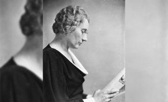 اگنس مک فیل اولین زنی در کانادا بود که به عضویت پارلمان درآمد. او سالها نماینده مجلس بود.