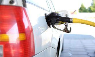 قیمت بنزین در کانادا به شدت رو به افزایش است