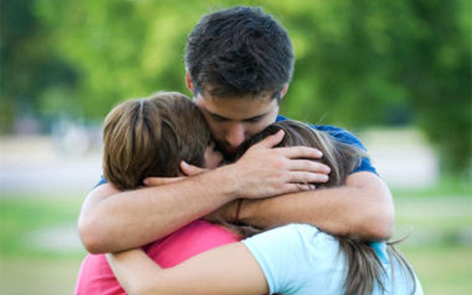 اگر بدهکارید و بخصوص جزو آن دسته که به خانواده تان عشق می ورزید، بهتر است به داشتن بیمه برای پوشش بدهی هایتان برای حمایت از عزیزانتان جدی فکر کنید.