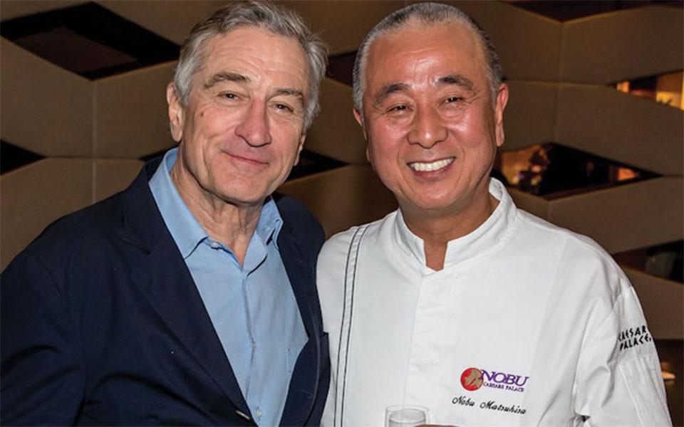 از راست نابو ماتسوهیسا سرآشپز معروف ژاپنی و رابرت دنیرو بازیگر مشهور سینما