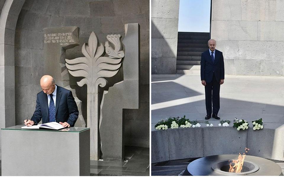 چهارشنبه 23 آگوست دکتر رضا مریدی در ماموریت خود به 4 کشور آلمان، چک، ارمنستان و جمهوری آذربایجان  از موزه بزرگداشت قربانیان قتل عام ارامنه که بیش از یکصد سال پیش اتفاق افتاد، در ایروان پایتخت ارمنستان دیدار  و ضمن ادای احترام و نثار تاج گل، دفتر یادبود آن را امضا کرد.