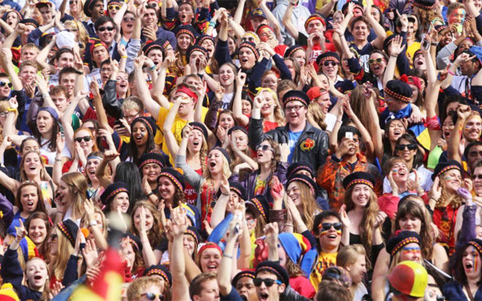 یکی از پر سرو صداترین این جشن ها در دانشگاه کوئینز در کینگستون انتاریو برگزار می شود