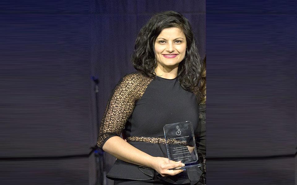دریافت کننده جایزه سیمرغ: پانته آ جعفری Leadership in community service: Pantea Jafari