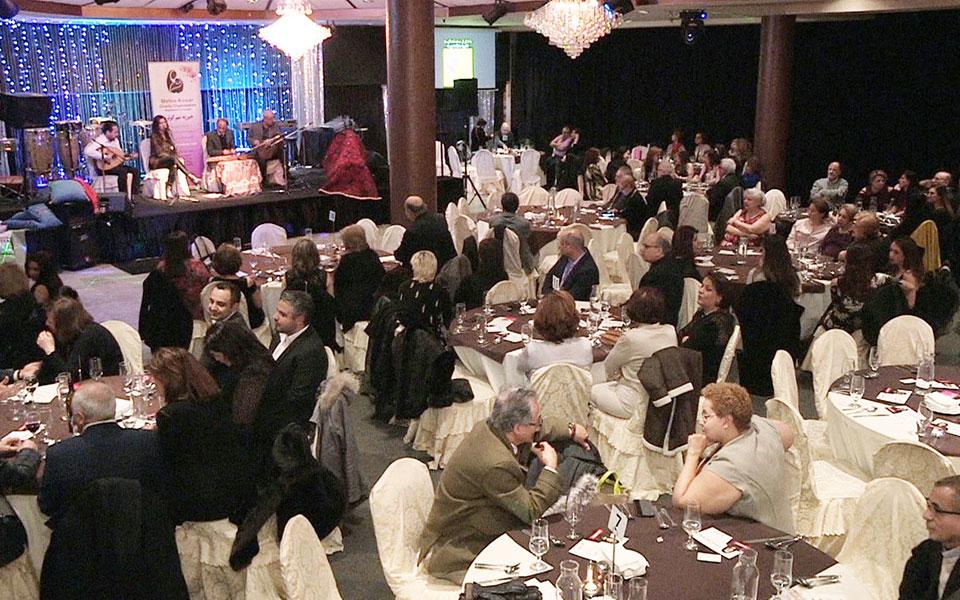 تعداد کثیری از اعضای کامیونیتی در جشن  سالانه خیریه مهر کوثر شرکت  داشتند