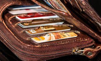 کردیت کارتهای بانک مونتریال و رویال بانک هر دو در مکان پنجم و کردیت کارت های اسکوشیا بانک و نشنال بانک در مکانهای بعدی قرار دارند.