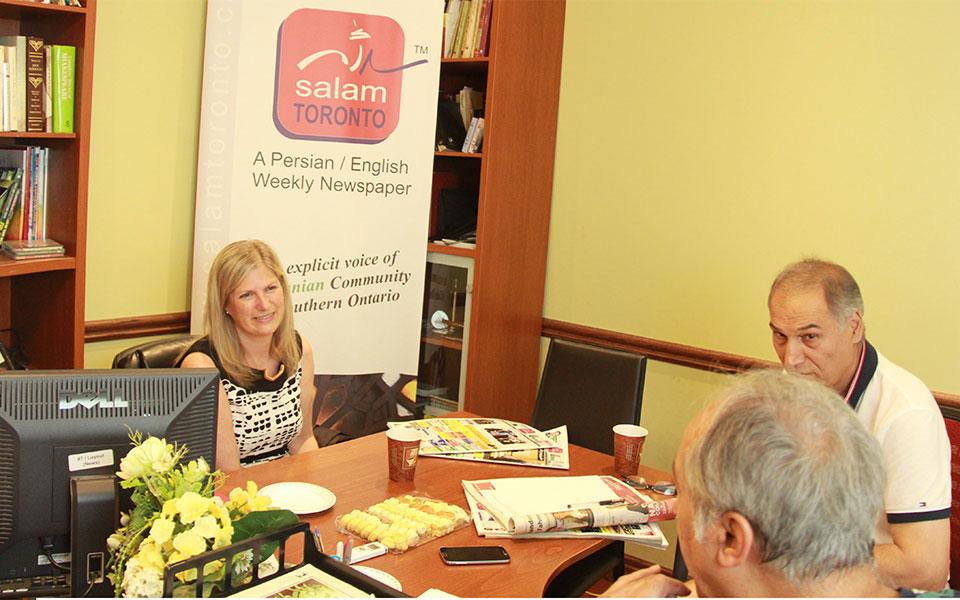 دوشنبه 27 جون 2016، لیونا آلسلف نماینده آرورا، اوک ریجز، ریچموندهیل در دفتر سلام تورنتو