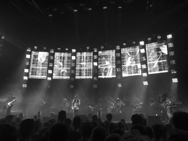 Radiohead_second_show_at_Le_Zénith_in_Paris._May_24th_2016