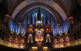 ناقوس های کلیسای نوتردام مونتریال به نام Notre-Dame Basilica به نشانه همبستگی به صدا درآمد.
