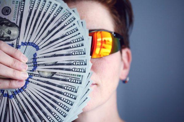 بانک مرکزی کانادا می گوید سهم وام دهندگان خصوصی در بازار مورگیج در تورنتوی بزرگ نسبت به سال ۲۰۱۵ دو برابر شده