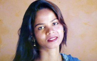 او در سال ۲۰۰۹ به دنبال مشاجره با کارگر دیگری در مزرعه، به توهین به مقدسات   blasphemy  محکوم شده بود.
