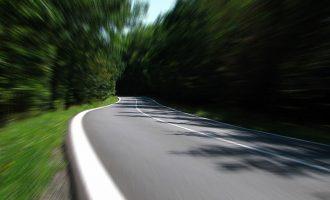 اکنون جف یورک وزیر ترابری انتاریو گفته بزرگراههای سری 400 می توانند سرعت ۱۲۰ کیلومتر در ساعت را جوابگو باشند. جزییات بیشتر قرار است  این هفته اعلام شود.
