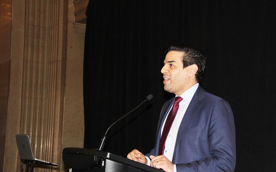 بهروز آموزگار از موسسین اولیه انجمن حقوقدانان ایرانی ـ کانادایی از زحمات اعضای کنونی هیات مدیره تقدیر کرد